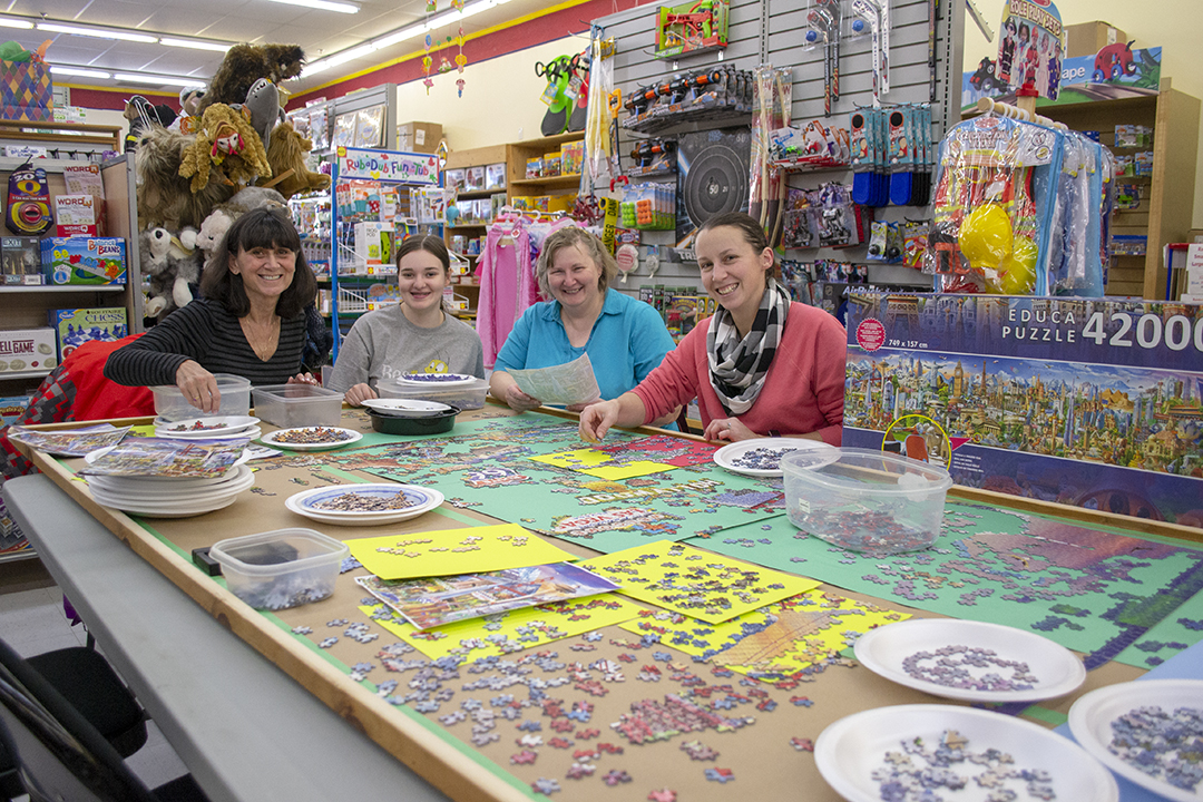 Fergus toy store to host large puzzle competition