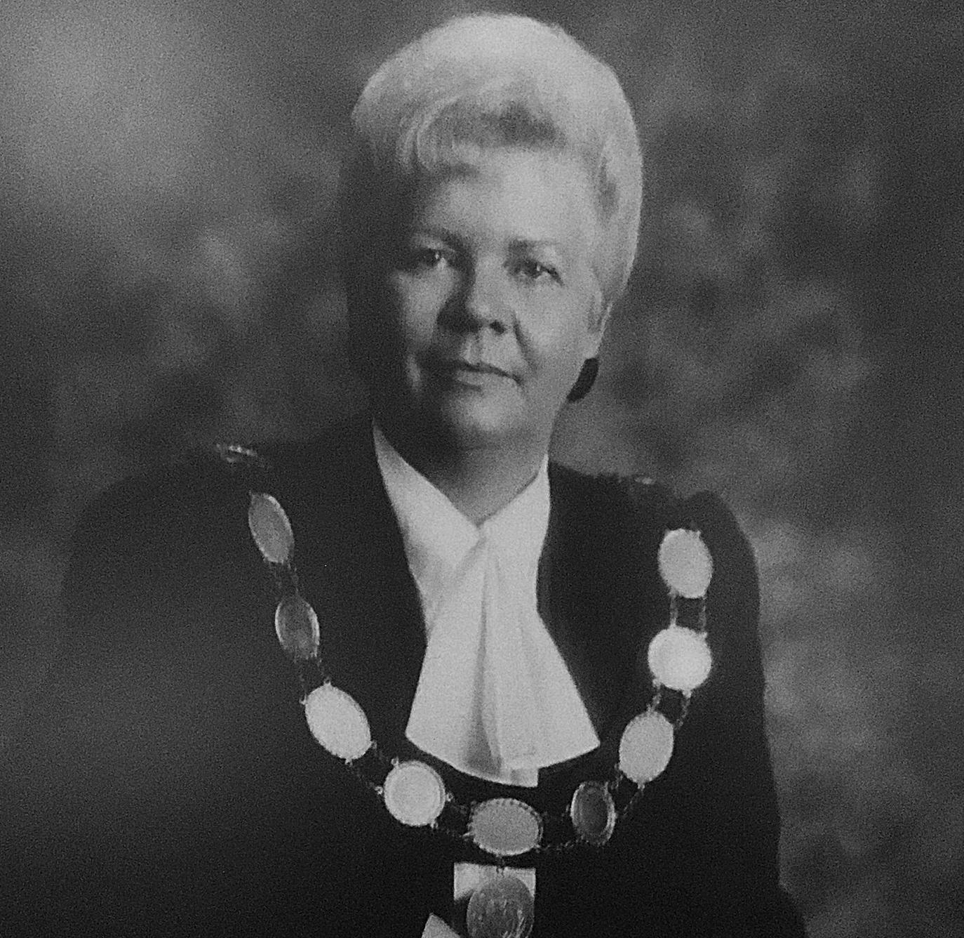 Former warden, Arthur reeve Doreen Hostrawser receives Louella Logan Award